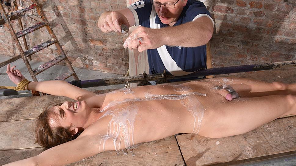 wet-pussy-tied-stretched-naked-amatuer-pics